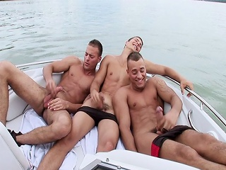 3some Solo Boat...