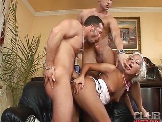 Christina Sweety is a golden-haired slut who can't live out of to acquire along with bisexuals. And now this babe is with 2 sexy studs Kruger and Nico Bladeeuro. Those 3 here are having a wild time jointly with blowjob, wet crack sucking, and fucking the whore's tight vagina.