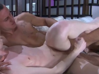 Curious straight man receives a smack of manmeat previous to impaling a sexy gay a-hole