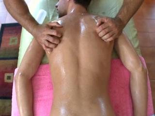 Explicit anal fucking for impressive stud during massage