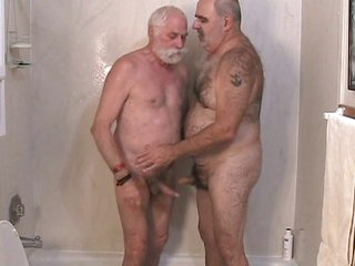 2 mature males getting off