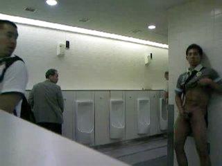 CMNM - Chap Masturbating in Public Toilets !