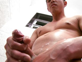 This worthy looking dude is looking for some fun time. And this chap likewise wishes to please his partner by showing of his worked out body. This chab is not that bad doing a male solo thing. Getting naked, this chap goes to the bath and lubed his jock for jerking. As this chap is masturbating, his jock is getting harder!