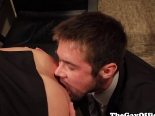 Officesex hunk assfucked after rimming