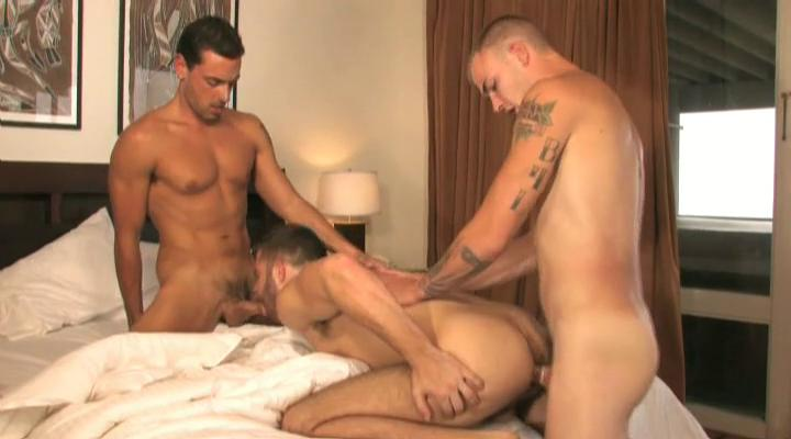 3 tanned and tattooed homo chaps having trio in the abode
