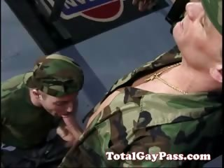 Dong engulfing soldier