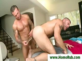 Hunk shoves sex-toy up masseurs gazoo