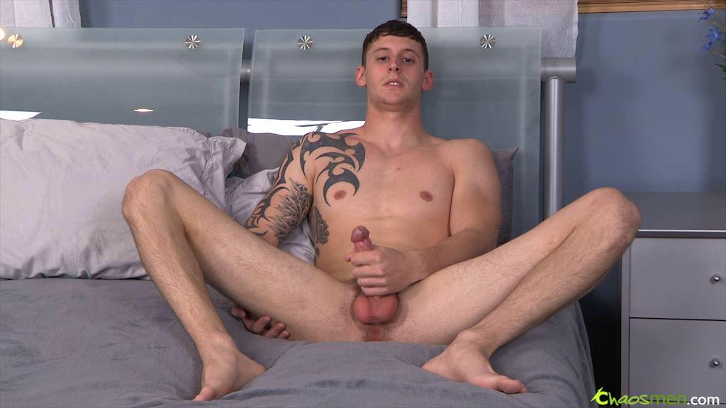Watch hawt fellow strokes his big meat