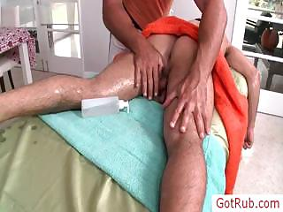 Hunky guy getting his 1st ever homo massage by gotrub