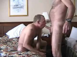 Homo hotel oral-stimulation with face fucking