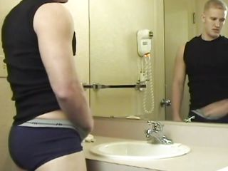 This chab went there to wash his face but when Ryan took a greater quantity astounding look at himself this guy started to be horny. This chab took of his pants and touched his sexy abs in advance of jerking. What a nasty chap u are Ryan, surely u merit a deep and hard fuck in that sexy ass. Let's watch what happens with him and if this guy will cum for us
