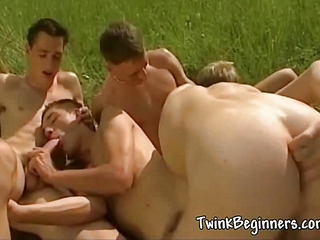 Four hawt hot studs having an orgy