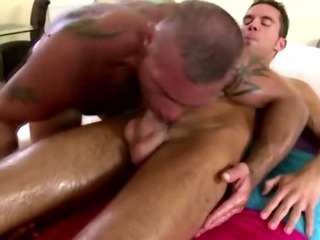 Older homosexual masseur massages hawt str8 chap
