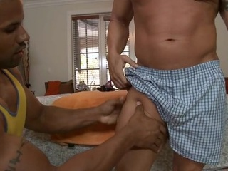 Hawt hunk is getting his pecker sucked by gay masseur