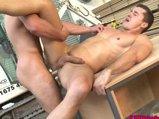 Muscled english benders anal shagging