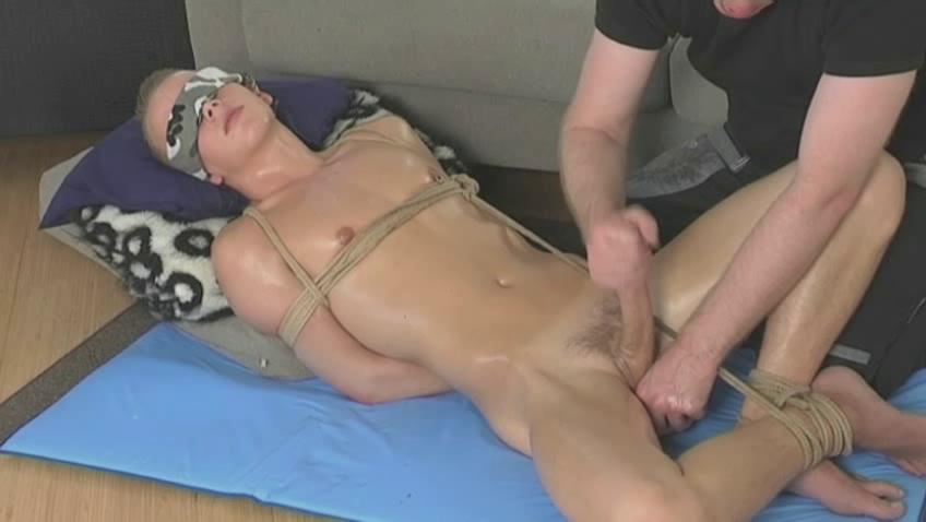 Fastened up twink getting his 10-Pounder stroked