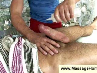 Homo masseur jerking off bushy stud