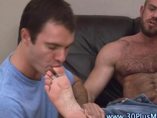 Feet licked wang tugging bear sucks a shlong